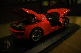 porsche 918 red we got first look at the porsche 918 spyder coming soon to petron