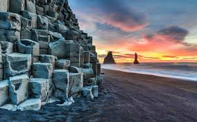 Pleasant Beach Village by Reynisfjara Shore Near The Village Vik In Myrdalur On Iceland U0027s