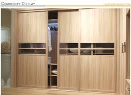 modele d armoire de chambre a coucher superb modele placard de cuisine en bois 8 oppein armoire porte