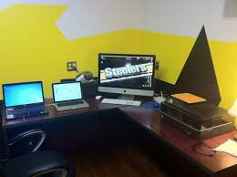 Computer Technician Desk Computer Repair Software And Hardware Install And Services