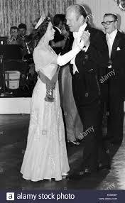 Queen Elizabeth Ii House Queen Elizabeth Ii Dancing With President Gerald Ford After A