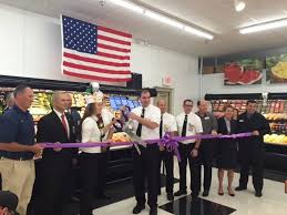 fareway cuts the ribbon on a new store in johnston