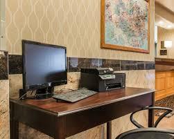 Comfort Inn And Suites Fenton Mi Comfort Inn U0026 Suites 17800 Silver Parkway Fenton Mi Hotels