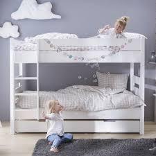 chambre fille avec lit superposé gagnez de la place dans une chambre avec le lit superposé alfred