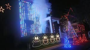 now entire neighborhoods are upping their u0027christmas light fight