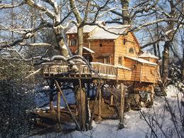 chambre d hote cabane dans les arbres cabane dans les arbres pour un week end insolite avec vos enfants