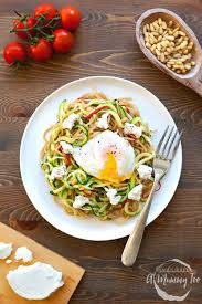 cuisine courgette courgette and whole wheat pasta with poached egg a mummy