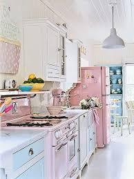 cuisine girly chéri et si on rénovait la cuisine l an vert du décor