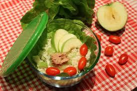 insalata di sedano e mele l insalatona cuore riso tonno sedano mela verde e salsa