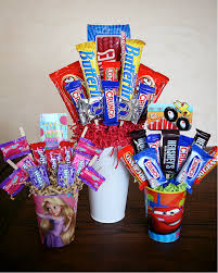 candy bar bouquet how to make a personalized candy bar bouquet craft like this