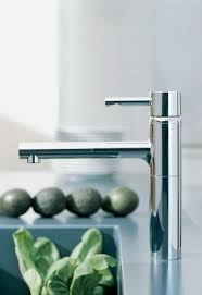 grohe essence kitchen faucet faucet com 32170000 in starlight chrome by grohe