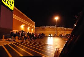 retail giants open on thanksgiving kedm