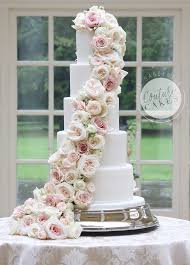 wedding cake roses tiered wedding cakes couture cakes