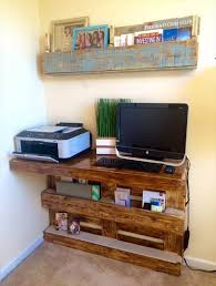 Diy Wall Desk Diy Upcycled Pallet Wall Computer Desk 101 Pallets