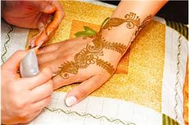 tattooing with henna mehndi history and facts