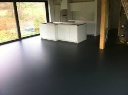 resine epoxy sur bois sol en résine revêtement o s resine liège