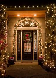 outdoor decor 26 super cool outdoor décor ideas with christmas lights digsdigs
