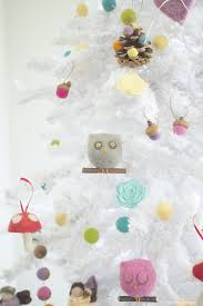 adorable diy felt flower christmas ornaments the magic onions