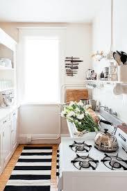 Kitchen Carpet Ideas Best 25 Rental Kitchen Ideas On Pinterest Small Apartment