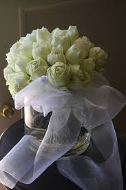 White Roses Centerpiece by Vase Of White Roses Centerpiece Blanco Pureza Pinterest