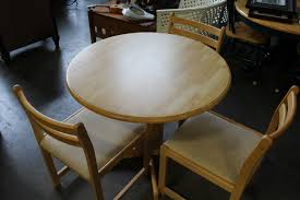 Maple Drop Leaf Table Round Maple Drop Leaf Table And Four Chairs Big Valley Auction
