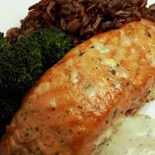 bourbon marinated smoked salmon in a digital smoker char broil