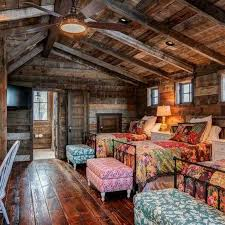 How To Decorate A Log Home Best 25 Cabin Loft Ideas On Pinterest Forest Cabin Barn Houses