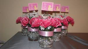 Baby Shower Table Ideas by Baby Shower Centerpieces Idea For Good Holiday Holding Baby