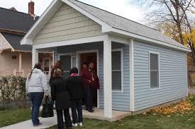 3 more tiny homes for homeless veterans built in syracuse wrvo
