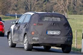 2018 hyundai kona rear 1 motor trend