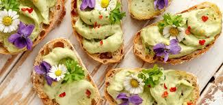 les fleurs comestibles en cuisine les fleurs comestibles des couleurs et des saveurs dans notre