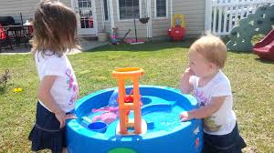 kids playing with water table youtube
