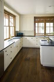 White Kitchen Granite Ideas by Best 25 White Farmhouse Kitchens Ideas On Pinterest Farmhouse