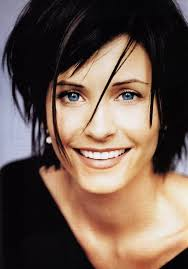 courtney kerr haircut courtney cox with her dark hair bright blue eyes is a stunning