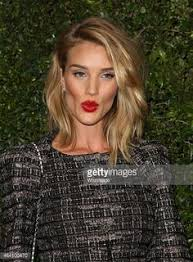 rosie huntington side parted lob last night was a night of really really good hair long bob
