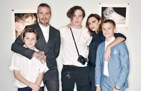 the beckhams visit the set of modern family wwd