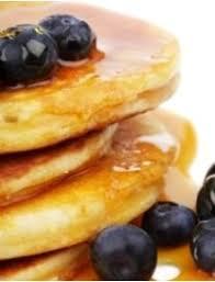 bananas and pajamas on pancake valentin deko