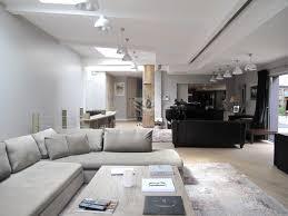decoration salon avec cuisine ouverte loft avec piscine intérieure patio et terrasse grand salon
