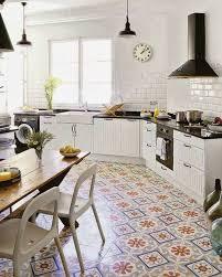 sols de cuisine comment décorer avec le carrelage ancien 62 photos pour décider