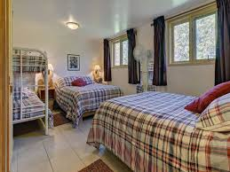 chambres completes chalet spa sur la rivière cottages apartments tourist homes