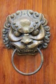 foo dog door knocker temple of the buddha tooth relic singapore двері вікна