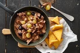 chevreuil cuisine emincé de chevreuil aux raisins et tranches de polenta recette