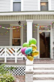 creating a housewarming party with diy decorations
