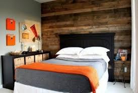 mur de chambre en bois chambre a coucher en bois lit bois lit massif x lit oslo