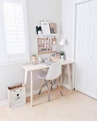 bureau etroit bureau comment improviser un coin bureau lorsqu on manque d espace