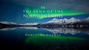 why northern lights happen auroras what makes them happen northern lights lofoten and