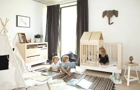 chambre design enfant lit design enfant cabane chambre bois naturel aventure deco