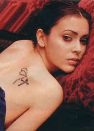 samantha tattoo on her neck alyssa milano tattoos and meanings reading a word