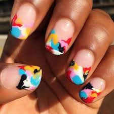 this entrepreneur u0027s eye catching instagram keeps her two nail