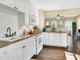 1930 Kitchen by 1930 Douglas Ave Cottage Cottage Clearwater Fl Booking Com